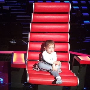 Aoife-Belle joins mum Una Foden on set of The Voice of Ireland, Instagram 5 April