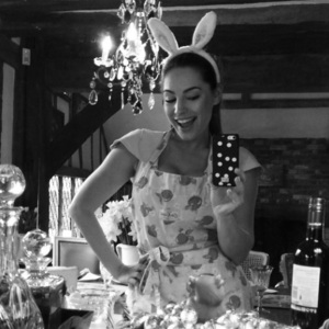 Kelly Brook celebrates Easter at home in the UK, Instagram 6 April