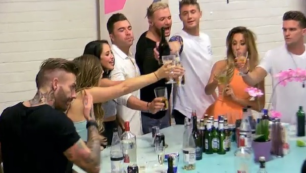 Geordie Shore Series 10, Episode 1, MTV 7 April