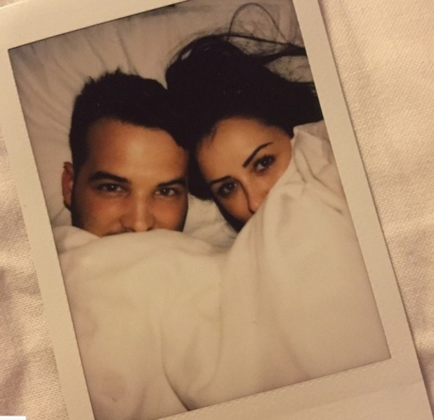 Ricky Rayment and Marnie Simpson take bed selfie, Instagram 4 April