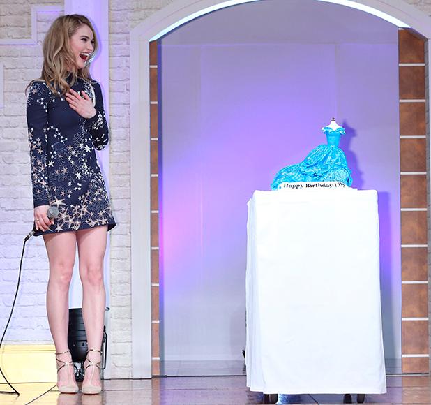 'Cinderella' film press conference, Tokyo, Japan - 07 Apr 2015 Lily James gets a birthday cake
