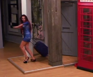 Chloe Etherington arrives  - Geordie Shore, Series 10, Episode 2 14 April