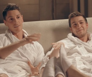 Lonan and Sam Thompson on Made In Chelsea, Series 9, Episode 1 13 April