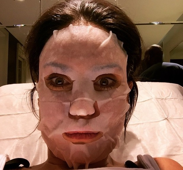 Vicky Pattison gold facial