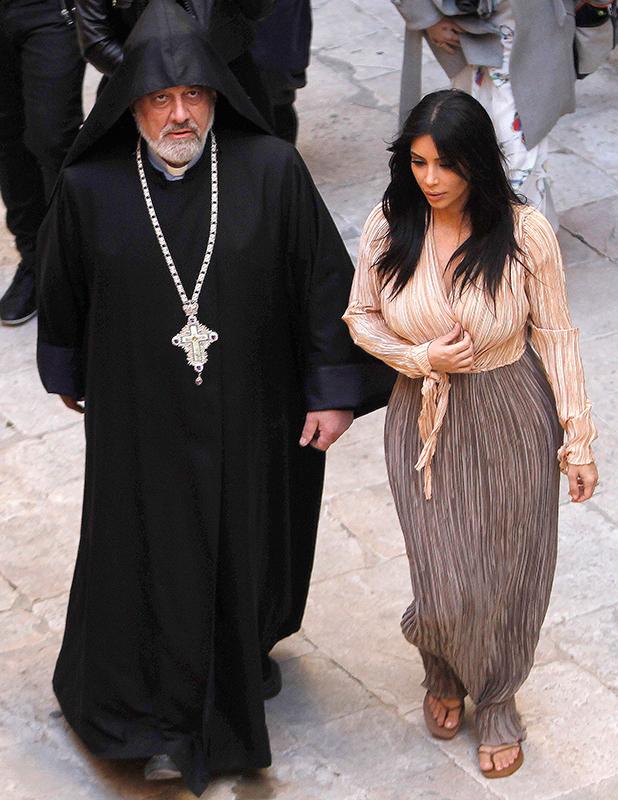 Kim Kardashian and Kanye West in St. James Cathedral, Jerusalem, Israel - 13 Apr 2015