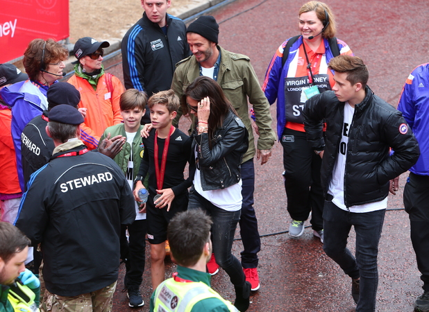The Beckham family support Romeo as he competes in the junior run at the Virgin Money London Marathon 2015, 26 April 2015