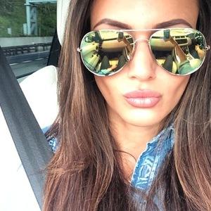 Michelle Keegan instaram aviator sunglasses selfie 1st may