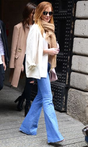 Lindsay Lohan shopping with friends in Milan 28 april