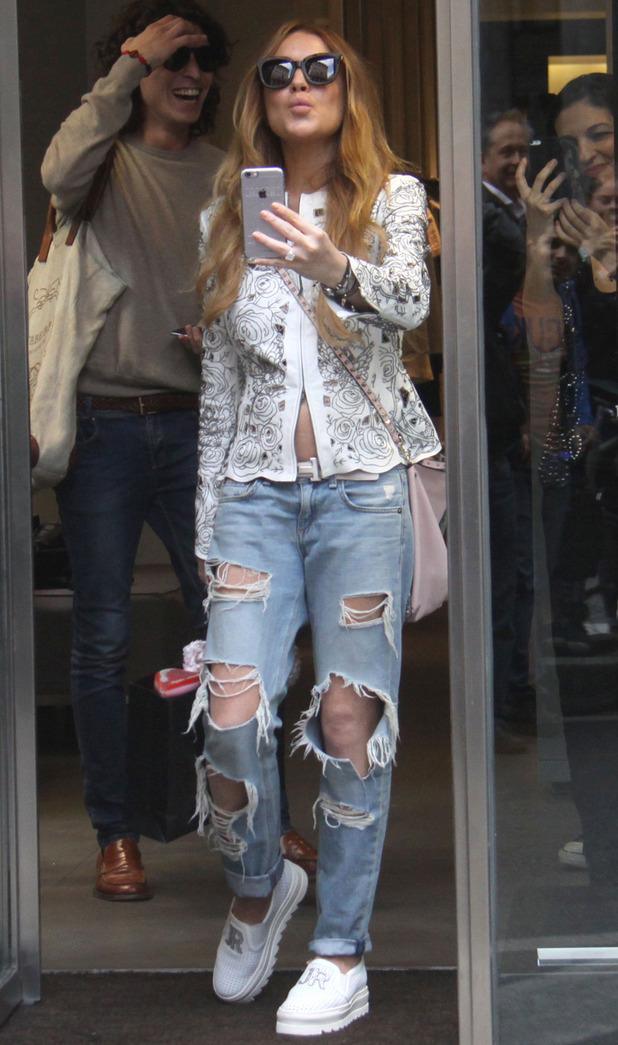 Lindsay Lohan shopping in Milan 29 april
