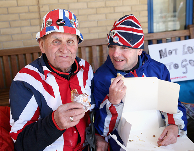 Royalists Terry Hutt and John Loughrey enjoy the last of some pastries at Lindo Wing, 28 April 2015