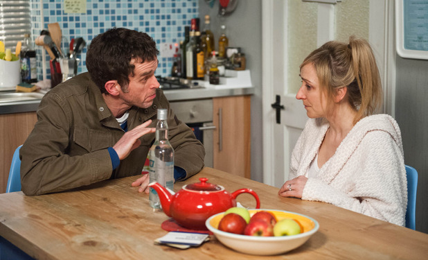 Emmerdale, Marlon tries to get through to Laurel, Wed 6 May