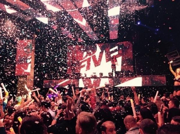 Elliott Wright shares photo of nightclub in Vegas, Instagram 7 May
