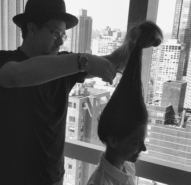 Katie Holmes instagrams picture of her in the hair salon, wi, met gala 4th may
