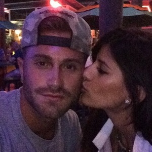Jasmin Walia kisses boyfriend Ross Worswick, Instagram 13 May
