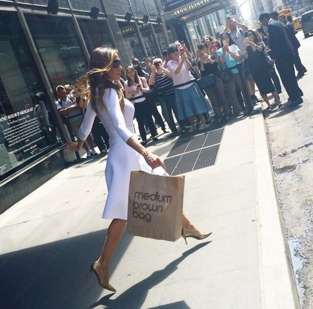 Sarah Jessica Parker posts an image on Instagram, holding a bloomingdales bag, 11th May 2015