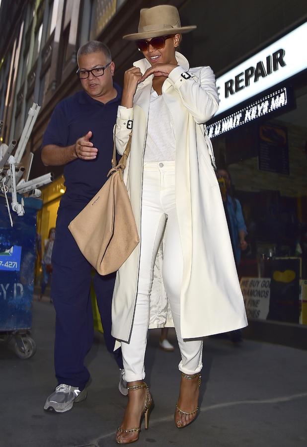 Beyonce leaving an Irish Pub in New York 13th May 2015