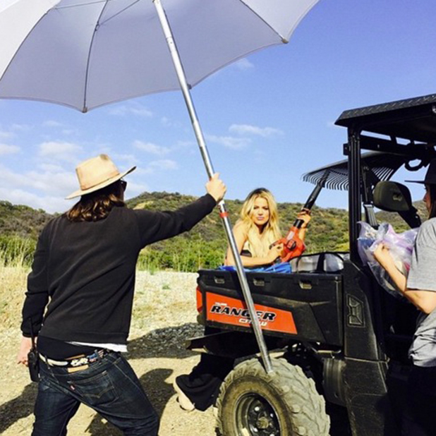 Khloe Kardashian on secret photoshoot, May 2015