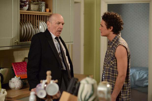 EastEnders, Paul confronts Les, Tue 2 Jun