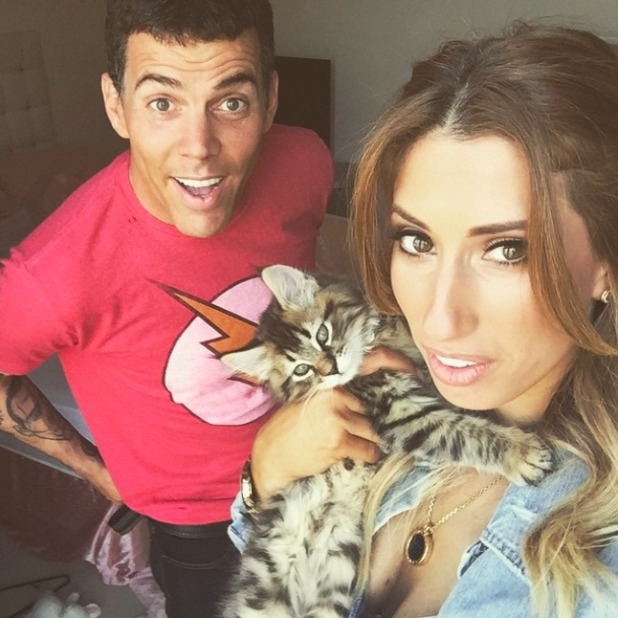 Stacey Soloman and Steve-O muck around in new selfie, May 2015
