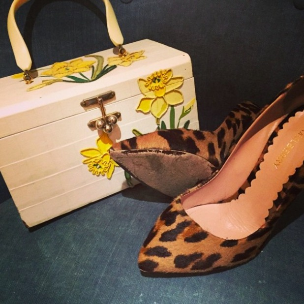 Pregnant Fearne Cotton shares her choice of shoes and handbag for night out, 5 June 2015