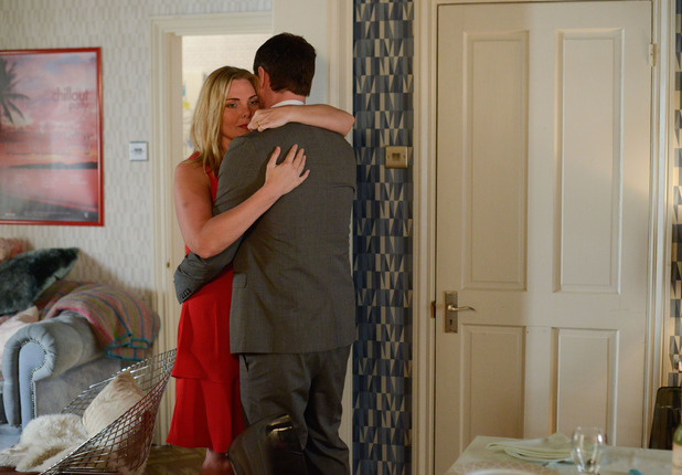 EastEnders, Ronnie and Charlie have a night in together, Tue 16 Jun