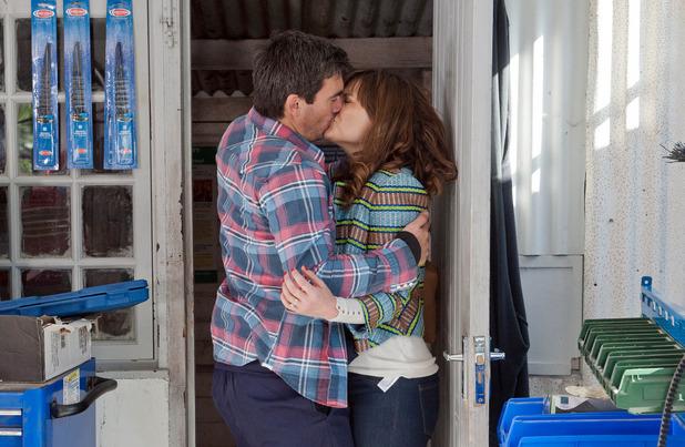 Emmerdale, Cain kisses Chrissie, Thu 18 Jun