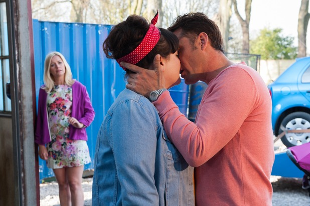 Hollyoaks, Tony kisses Tegan, Tue 23 Jun