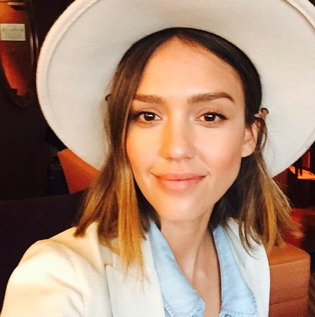 Tried and tested: The best illuminators for a celeb worthy ... Jessica Alba Instagram