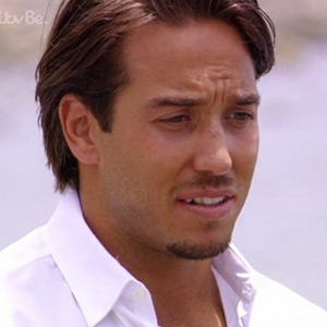 TOWIE episode aired 17 June: Lockie and Danni talk on beach
