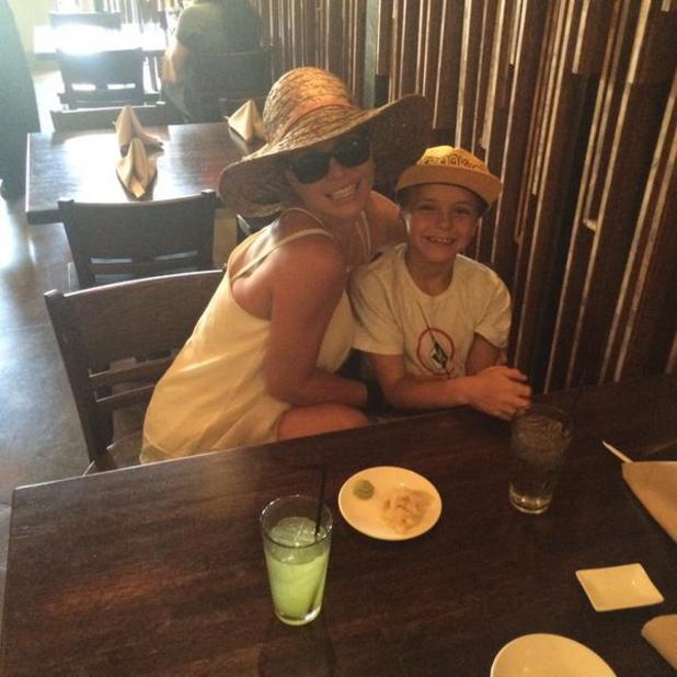 Britney Spears shares family pictures from Malibu, 27 June 2015