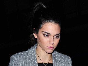Kendall Jenner looks super smart for dinner in London!