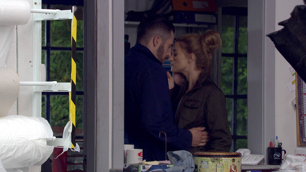 Emmerdale, Debbie kisses Ross, Mon 5 Jul