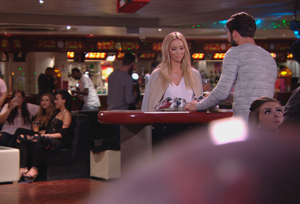 TOWIE episode to air 1 July 2015: Dan E takes Lauren Pope bowling
