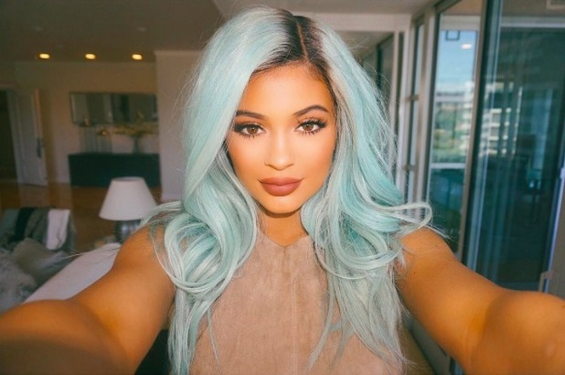 Kylie Jenner shows off blue hair, July 2015