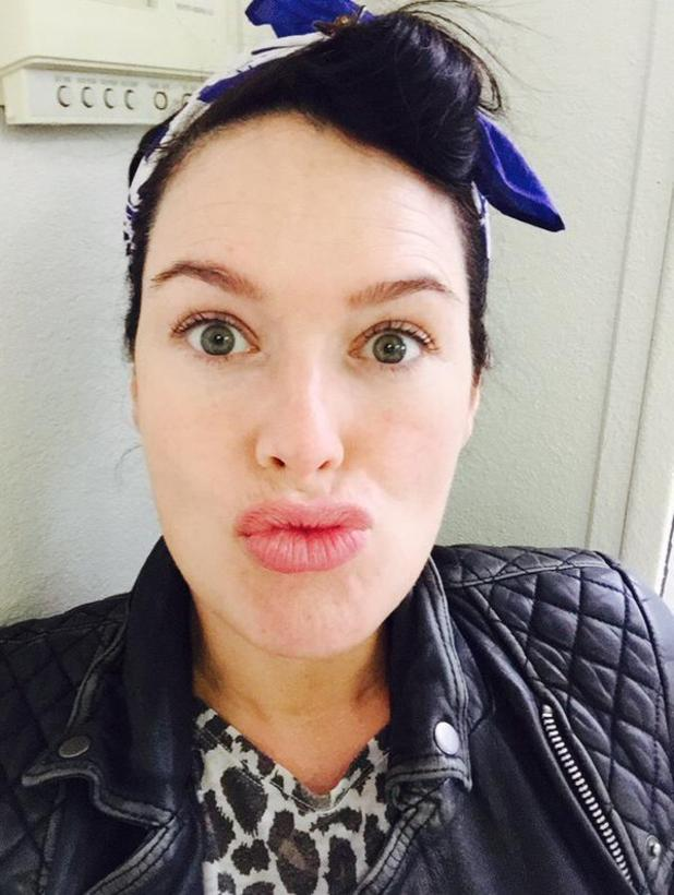 Lena Headey blows a kiss to camera in Twitter selfie.