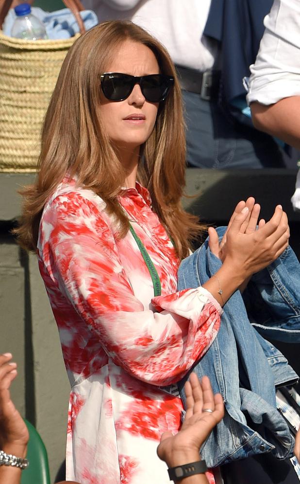 Kim Sears rocks 70s waves at Wimbledon, 9th July 2015