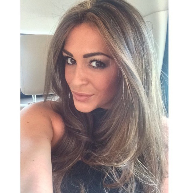 Casey Batchelor takes to Instagram to share a selfie of her hihlighted hair, 17th July 2015