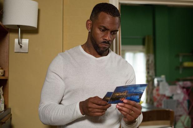 EastEnders, Vincent finds a postcard, Mon 27 Jul