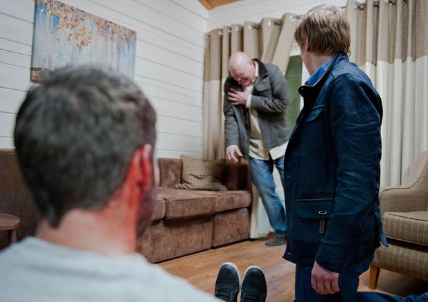 Emmerdale, Paddy gets shot, Thu 23 Jul