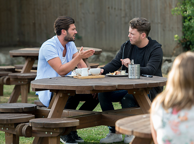 'The Only Way is Essex' cast filming, Britain - 17 Jul 2015 Jessica Wright joins Dan Edgar and Diags for brunch.