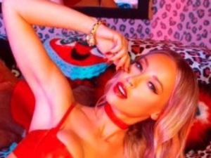 TOWIE's Lauren Pope posts picture of Galore Magazine fashion shoot to Instagram 30th July 2015