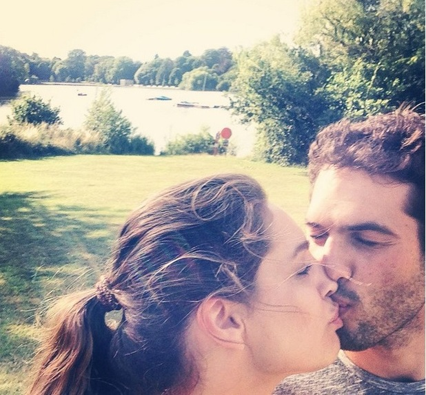 Kelly Brook and Jeremy Parisi kiss after workout 29 July
