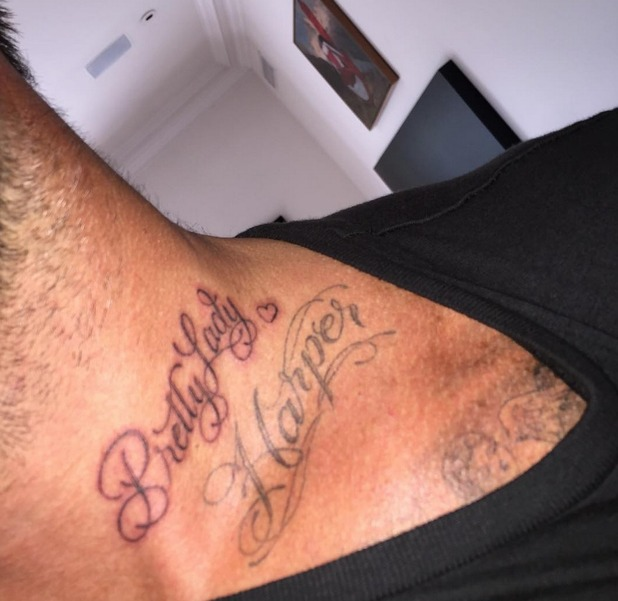 David Beckham gets new neck tattoo - Pretty Lady - 27 July 2015.