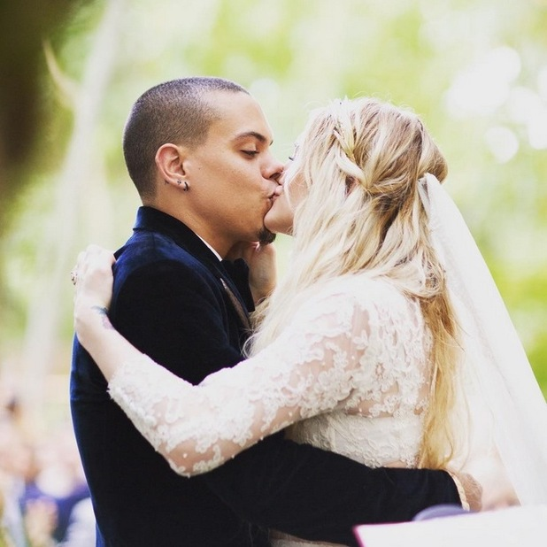 Evan Ross shares photos of his dreamy wedding to Ashlee Simpson, 28th July 2015