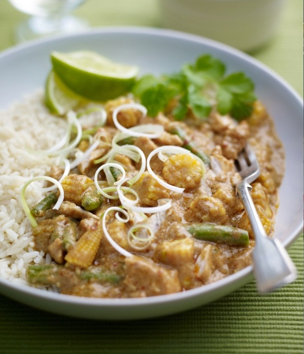 Chicken and Cashew nut thai curry recipe