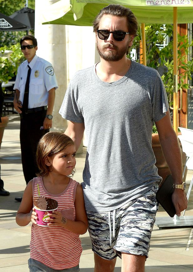 Scott Disick with son Mason in Los Angeles, America - 05 Aug 2015.