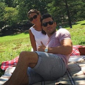 Mark Wright and Michelle Keegan enjoy a picnic in Central Park during their trip to America, 13th August 2015