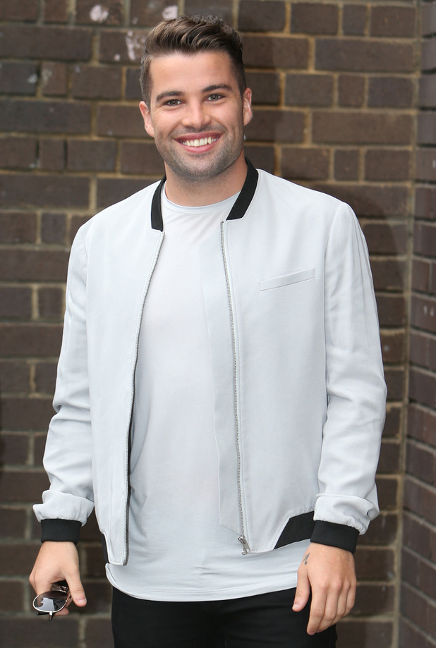 Joe McElderry poses outside the ITV studios - 18 Aug 2015.
