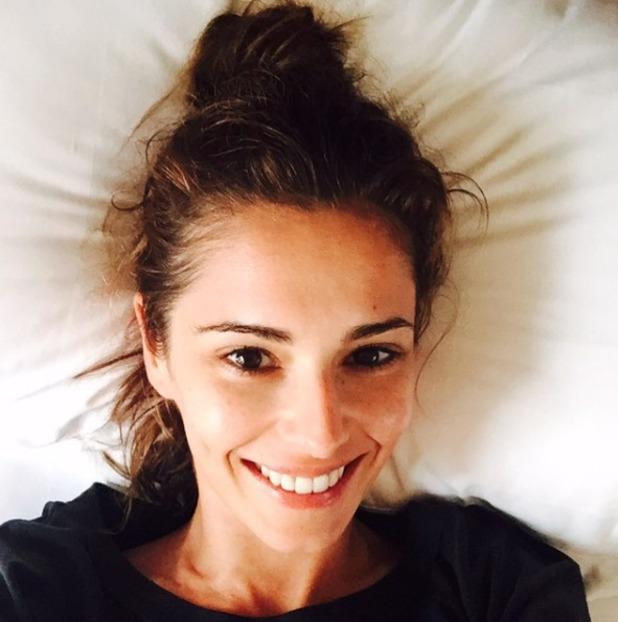 Cheryl Fernandez-Versini no make-up, bed-selfie, 24 August 2015