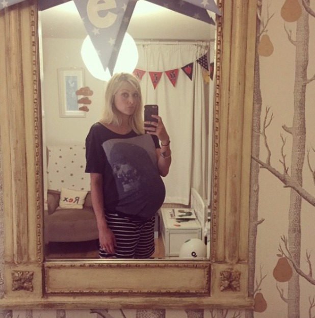 Fearne Cotton' heavily pregnant wearing (and stretching) Jesse James Wood's t-shirts! 28 August 2015